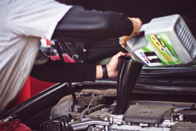 How to Become an Expert in Auto Mechanic